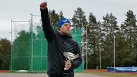 Veeti Mustalahti heitti down-urheilijoiden keihään maailmanennätyksen.