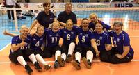 Suomen naiset upeasti välieriin istumalentopallon EM-kisoissa.