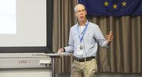 Sosiaaliantropologi David Howe: Elinsiirtourheilu kulkee paralympiaurheilun jalanjälkiä.