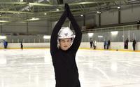 Jenna Jokela tekee ensiesiintymisensä kansainvälisissä taitoluistelukisoissa Finlandia Trophyssa.