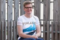 SOLIAn välineet auttavat Marjaana Heikkistä talvikauden oheistreeneissä .