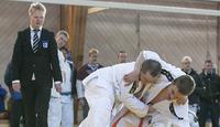 Joona Näkistä ensimmäinen kansainvälisissä kisoissa tuomaroinut sovelletun judoka.