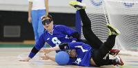 Maalipallon paralympiajoukkueesta löytyy kokemusta ja nuorta voimaa.
