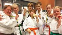 Suomalaiset vahvoja kansainvälisissä sovelletun judon kisoissa Ruotsissa.