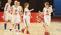 """""""Voiko tällaista olla olemassakaan?"""" – Special Olympics -koripallonaisten pitkä odotus päättyi Abu Dhabissa."""