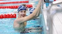 Verneri Eroselle löytyi Swimming Jyväskylässä polku tavoitteellisen kilpauinnin pariin.