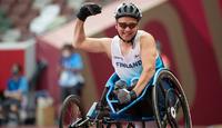 Tokio 2020: Tunteensa ja kuumuuden hallinnut Piispanen kelasi 200 metrin paralympiakultaa.