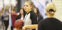 Ahos-apuraha vei Unified-koripallotuomari Annika Salosen Los Angelesiin.