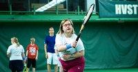 Meitä on moneksi: Kokemuskouluttajat kertovat vammaisurheilun erityispiirteistä.